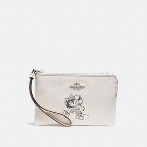 Coach Disney Minnie Mouse Chalk (White) Wristlet